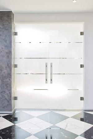 Glastüren von Rolf+Weber